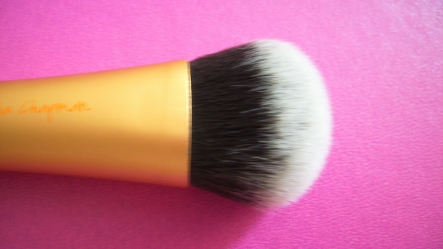 real techniques experrt face brush