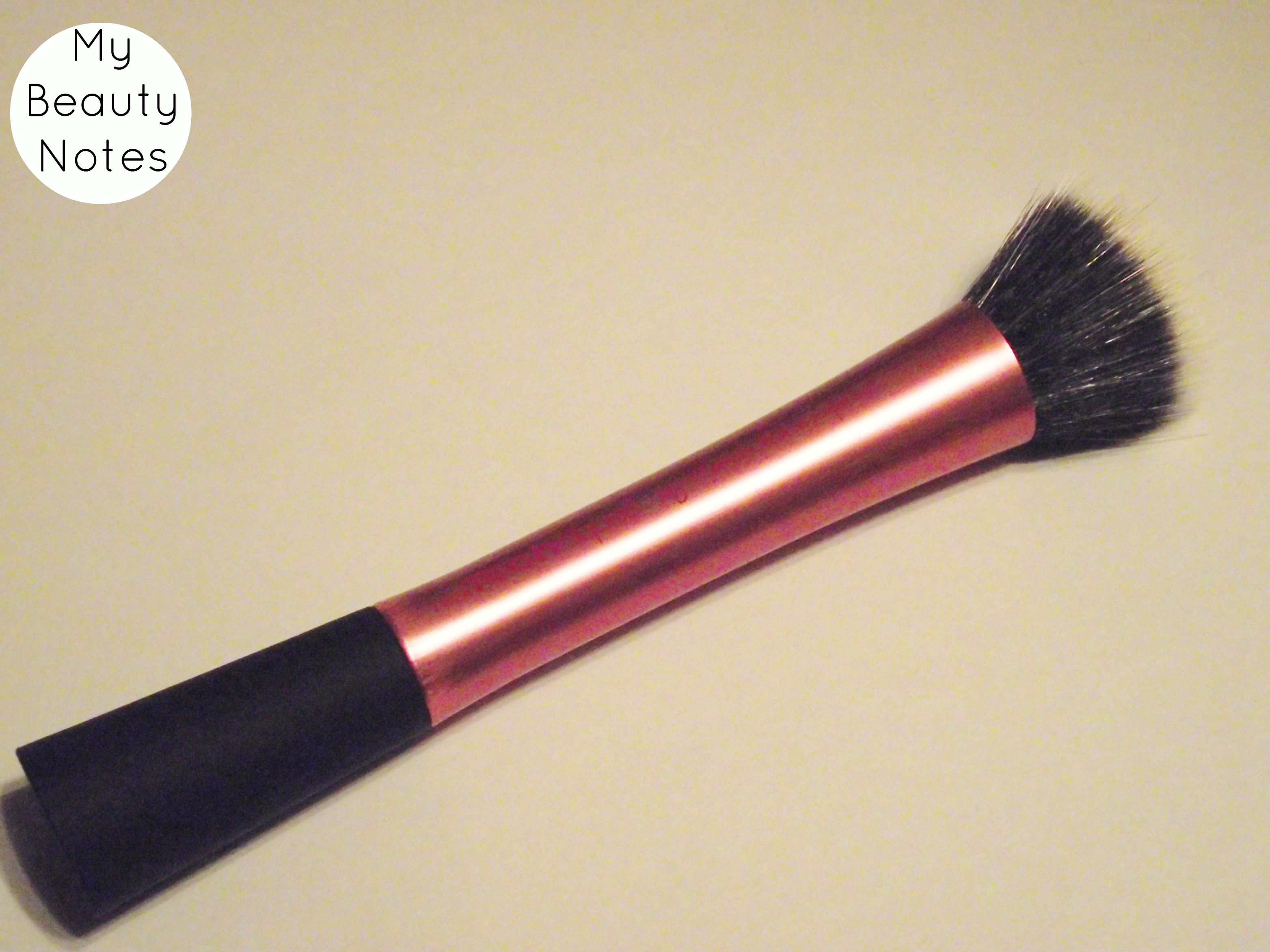 how to use a stippling brush to apply foundation