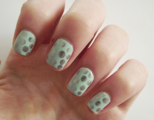 mint and silver nails 2